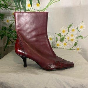EUC Vintage Liz Claiborne red leather ankle boots